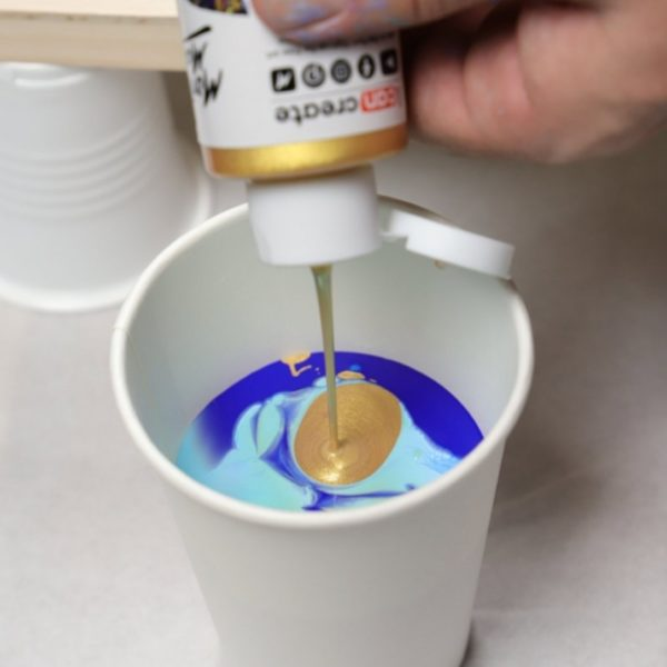Gold Pouring Paint